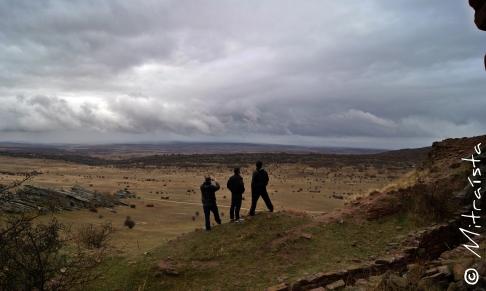 Al pie del castillo de Zafra, Sierra de Caldereros (Campillo de Dueñas, Guadalajara, España)